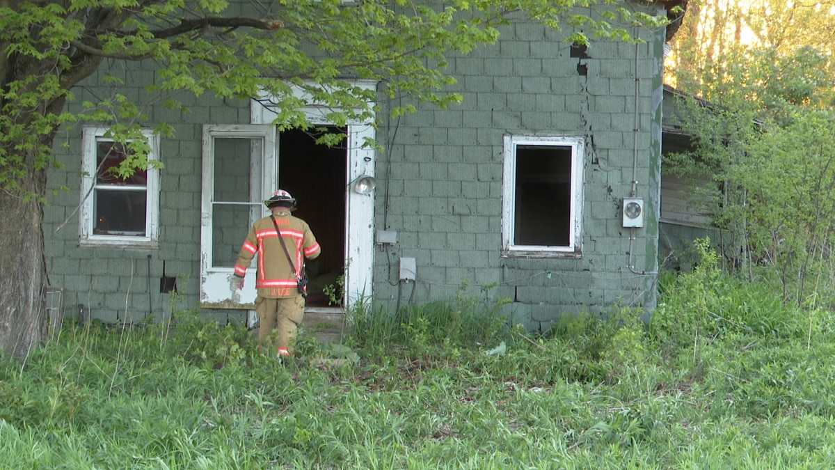 A small fire broke out at an abandoned building in Watertown Sunday evening and neighbors say...