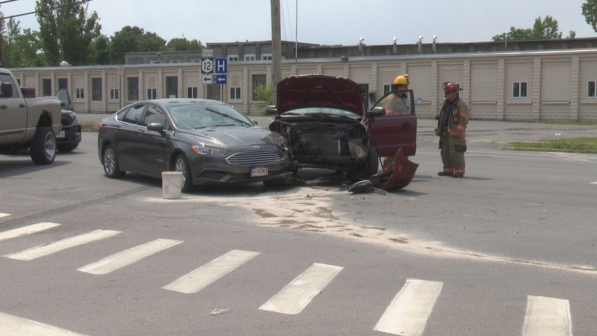 Crash at the intersection of West Main and Bradley streets