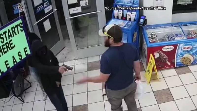 A U.S. Marine Corps veteran, who disarmed a teenage robbery suspect in an Arizona gas station...