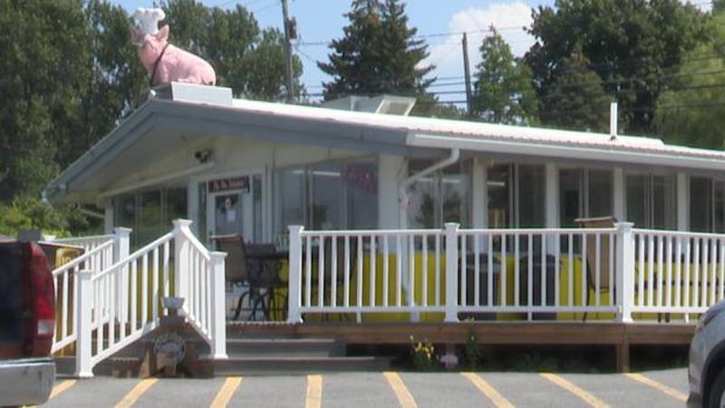 It was the last lunch shift at the popular Mike's Pig Pen. The town of Watertown eatery closed...